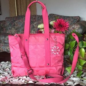 Coach Kyra signature Tote (FIRM)